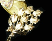 Trifari Flower Brooch in Matte Goldtone - Cluster of Blooming Flowers with Leaves Designer Signed Crown Trifari Pin