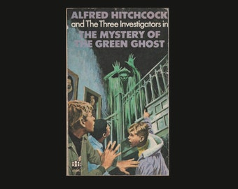 Alfred Hitchcock and The Three Investigators in The Mystery of The Green Ghost. 1974 Paperback. Armada Books. Ghosts. Macabre.