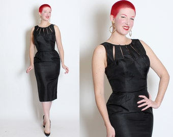 SEDUCTIVE 1950's Inky Black Raw Silk Extreme Hourglass Cocktail Dress w/ Bombshell Sweetheart Bust & Sexy Cage Cut-Out Neckline - VLV - M