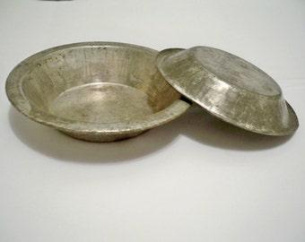 Pie tin plates - Mini - Vintage kitchen - lot of 2 - Primitive kitchen collectible - cheesegrits