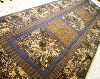 Contemporary Quilted Table Runner - Elegant Paisley in Neutral Tones