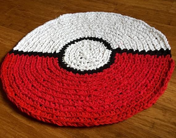 pokemon go ball tapis tapis fait main au crochet rond tapis. Black Bedroom Furniture Sets. Home Design Ideas