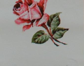 Large Single Tea Rose – Jean McIntosh – Needlework Chart M136