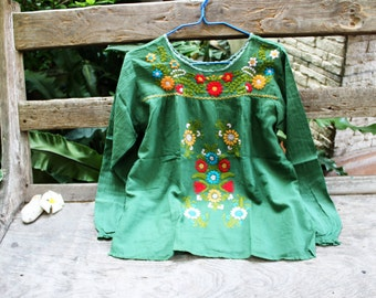 M-L Long Sleeves Bohemian Embroidered Top - Green 1