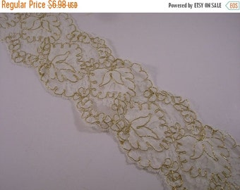 ON SALE White and Gold Reeimbroidered Floral Design Galloon Lace Trim--One Yard