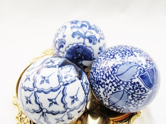 Blue and white decorative balls carpet chinoiserie