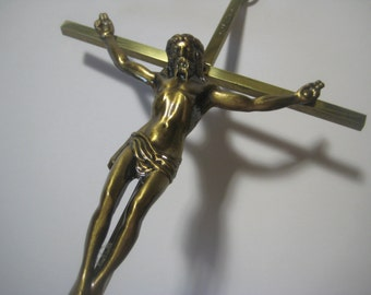 Vintage Wall Crucifix, 1950s Catholic Light Gold Tone Brass Cross, Large 10 Inch Size, 1 Piece