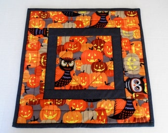 Halloween Quilted Table Topper with Pumpkins and Owls, Halloween Quilted Table Runner, Halloween Table Decoration, Halloween Decor,