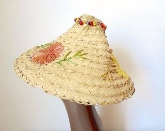 1950s Sun Hat - wide brim straw coolie hat - vintage tiki accessory
