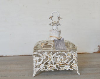 Vanity Box, Dresser Jar, Vanity Dish, Covered Vanity Dish, Trinket Dish, Jewelry Dish, Jewelry Casket