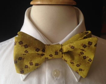 Floral Bow Ties / Wedding Bow Ties /Country wedding / Green And Brown Bow Tie / Pre-Tied Bow Ties / Handmade Bow Ties / Bow Ties Men