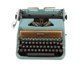 Underwood  Typewriter - Working - Vintage -1950's - Manual - Portable - FREE Domestic Shipping