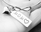 Infinity Bracelet Custom MOM Heart Hand Stamped Silver Metal Stainless Steel Sterling Silver Disc Cuff Bangle Mothers Day Gift Mommy Present