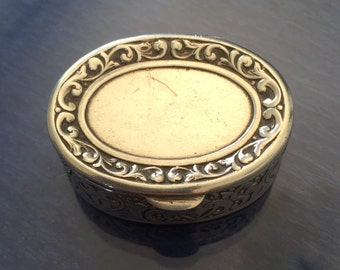Lovely Silver Pill Box with Decoration around the Edges c 1920