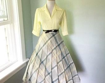 VINTAGE 1960s High Waisted Yellow Green & Gray Plaid Full Skirt