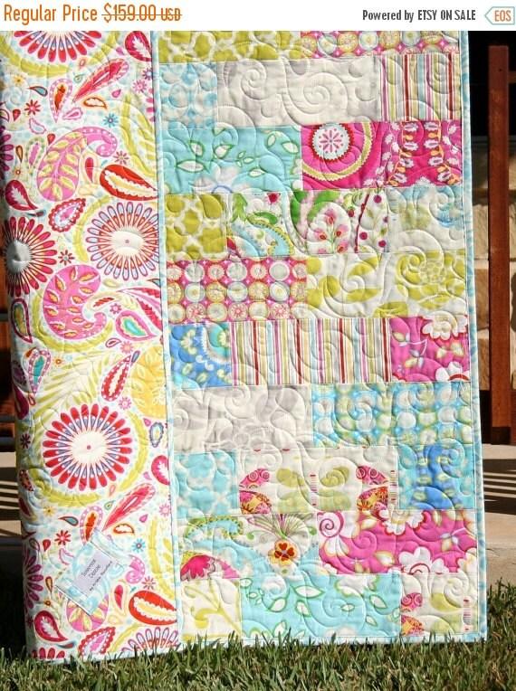 Kumari garden baby girl quilt pink paisley by for Dena designs kumari garden