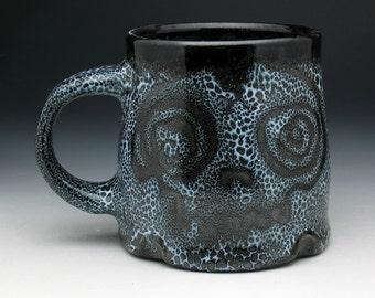 Zombie Skulls Mug, Spotted Zombie Skulls Pint Mug