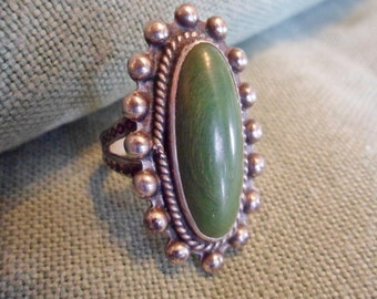 Vintage Green Turquoise sterling silver Southwest Tribal Ring sz. 4