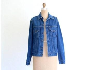 SALE / vintage 1970s dark wash denim jacket - ladies or mens jean jacket / Gap Pioneer . 70s early 80s denim / size 36 - unisex