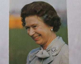 Vintage Postcard Her Majesty The Queen Of England British Royalty Queen Elizabeth Photo Post Card Unused