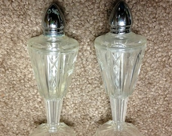 Rare Lucite Salt and Pepper Shakers Plastic Cut Glass Look on Pedestals. Classy Glass Look but More Durable. Starburst Design