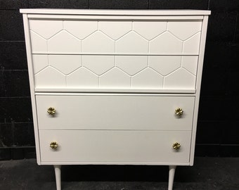 Mid Century Gloss White Chest