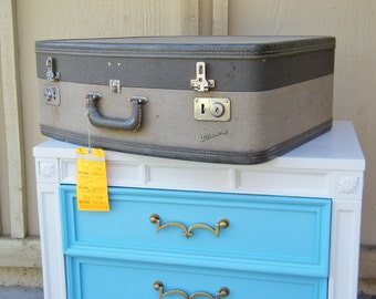 Vintage Wheary Suitcase