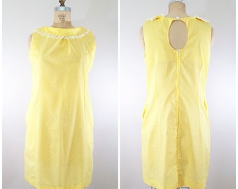 Vintage 1970s Dress / Yellow and White Polka Dots / Fun Summer Dress / Dotted Swiss / Medium
