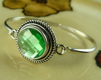 PERIDOT AUGUST Birthstone 18mm snap button silver bangle