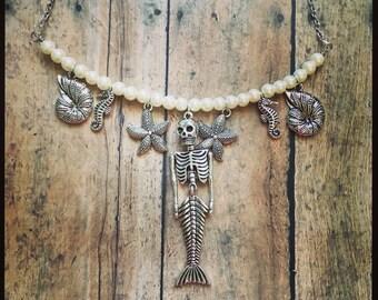 Dead mermaid necklace