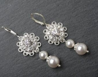 Bridal earrrings, wedding earrings, Bridesmaid earrings, wedding jewelry, Swarovski pearl and crystal earrings, Maid of honor gift