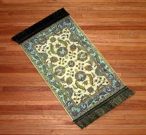 Alfombra tudor turquesa y oliva escala de 1 12 casa de for Alfombra verde turquesa