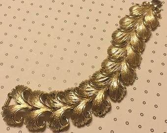 Vintage Shiny Gold Lisner Leaf Bracelet