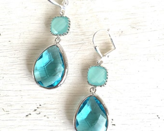 Aquamarine and Mint Aqua Dangle Earrings in Silver. Drop Earrings. Bridesmaids Earrings. Gift. Wedding Jewelry. Aqua Dangle Earrings. Gift.
