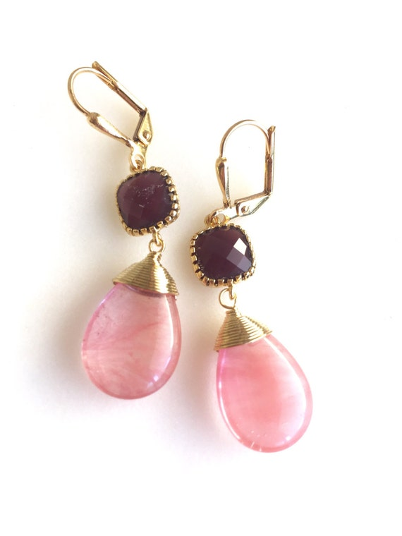 Grapefruit Pink and Burgundy Dangle Earrings. Drop Earrings. Dangle. Bridesmaid Earrings. Coral Stone Earrings. Modern Fashion Earrings.