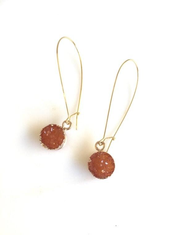 Druzy Drop Earrings in Fall Orange. Autumn Drop Earrings. Fall Fashion Jewelry. Orange Druzy Earrings.