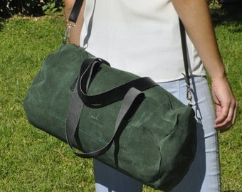 LEATHER DUFFLE bag overnight weekend bag crossbody shoulder handbag - TUBO model in green leather