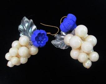 Pearl Cluster Purple Blue Lucite Flower Earrings // Mid Century Dangling Lucite Pierced Earring