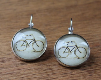 Mignons pendants d'oreilles velo // Cute glass cabochon bike   (BO-834)
