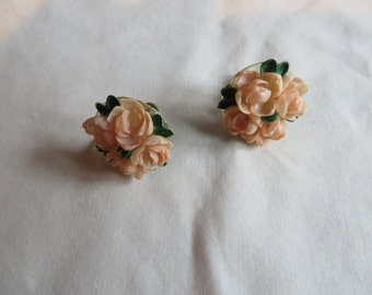 Vintage Screw On Peach Flower Earrings