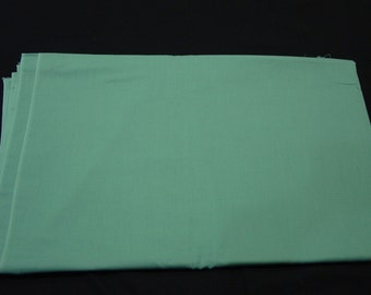 """Vintage Fabric Cotton Solid Green, Great Blender, 3 Yards, 43"""" Wide"""
