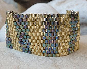 Evening bracelet.Beaded bracelet. Gift for her. Wedding bracelet. Elegant bracelet.Bridal bracelet . Gold beadwork bracelet. Classic jewelry