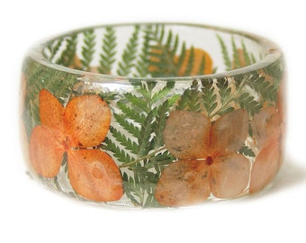 Orange Flower Bracelet -Jewelry with Real Flowers- Tropical Jewelry- Green Fern Bracelet - Spring Jewelry- Flower Jewelry - Resin Jewelry