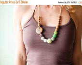FLASH SALE Green and Brown Gradient Nursing Necklace / Teething Necklace for mom to wear - oak wood