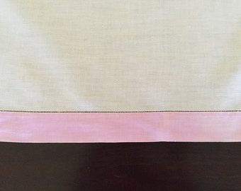 "Crisp White Linen Tablecloth with Pale Purple Border, 34"" by 34"" Square and Four (4) Napkins"