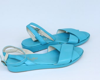 Vintage Women's Light Blue Pappagallo Sandals Size 9