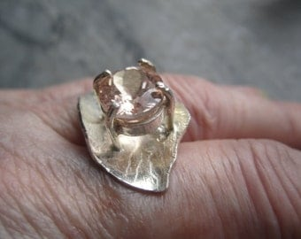 Pink Morganite Ring ./. Pink Stone Ring ./. Faceted Stone Ring ./. Handforged Silverring ./. Contemporary Ring ./. Bague Pierre Rose