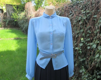 Blue Blouse Vintage / Buttoned / Embroidery / Size EUR38 / UK10