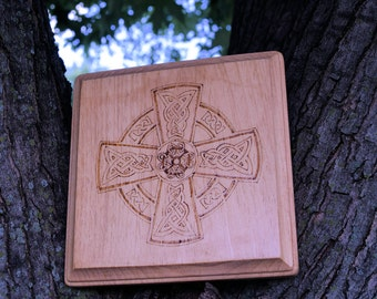Wood burned Celtic knot plaque, wood burned wall hanging, Celtic plaque, Celtic knot, Pyrography plaque