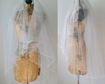 Vintage Veil, White Wedding Veil, Vintage White Wedding Veil, Vintage Veil With Comb, Retro 80s Wedding Veil, 1980s Bridal Veil, Bride Veil